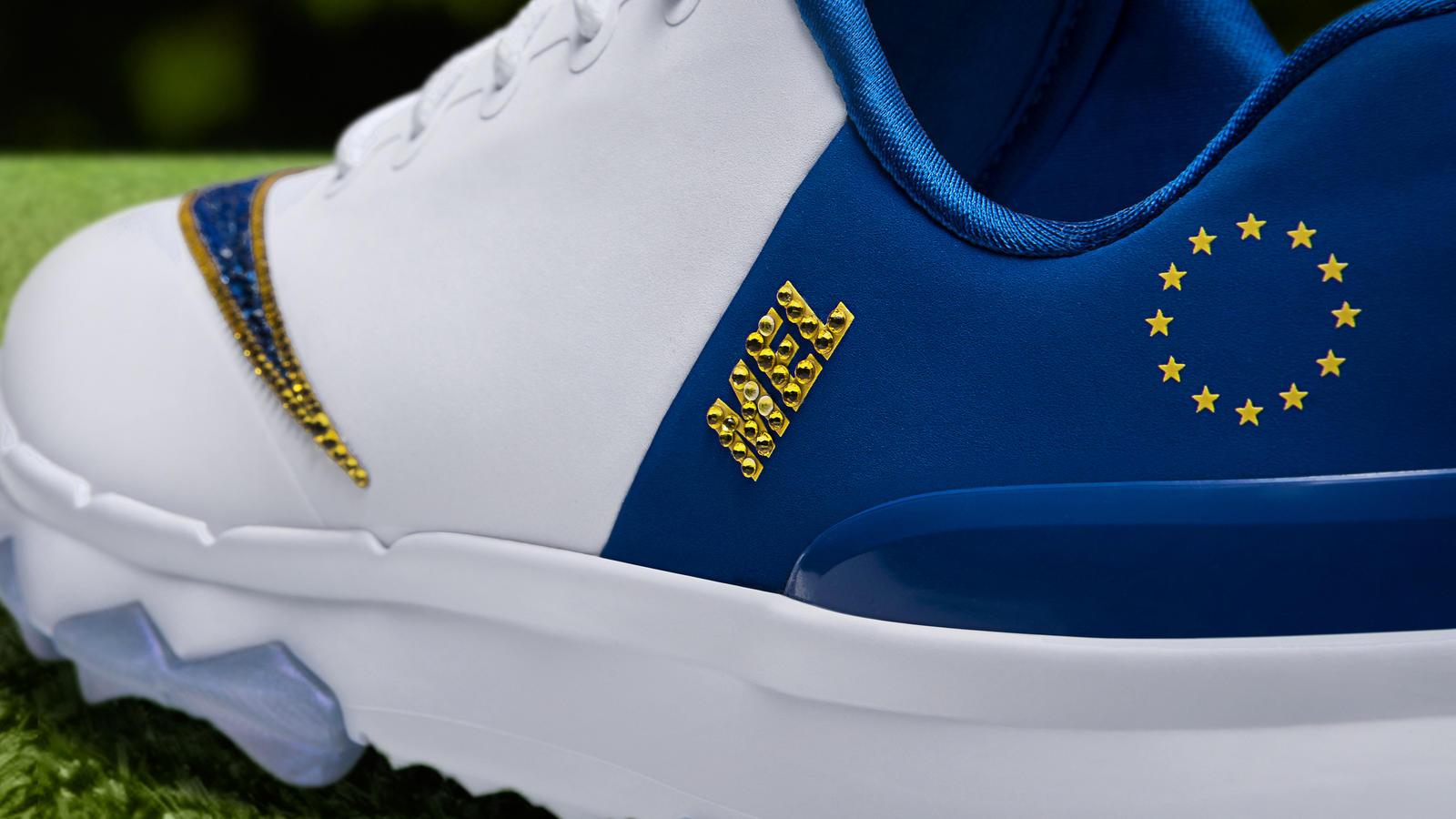 Nike FI Flex Swarovski PE 2