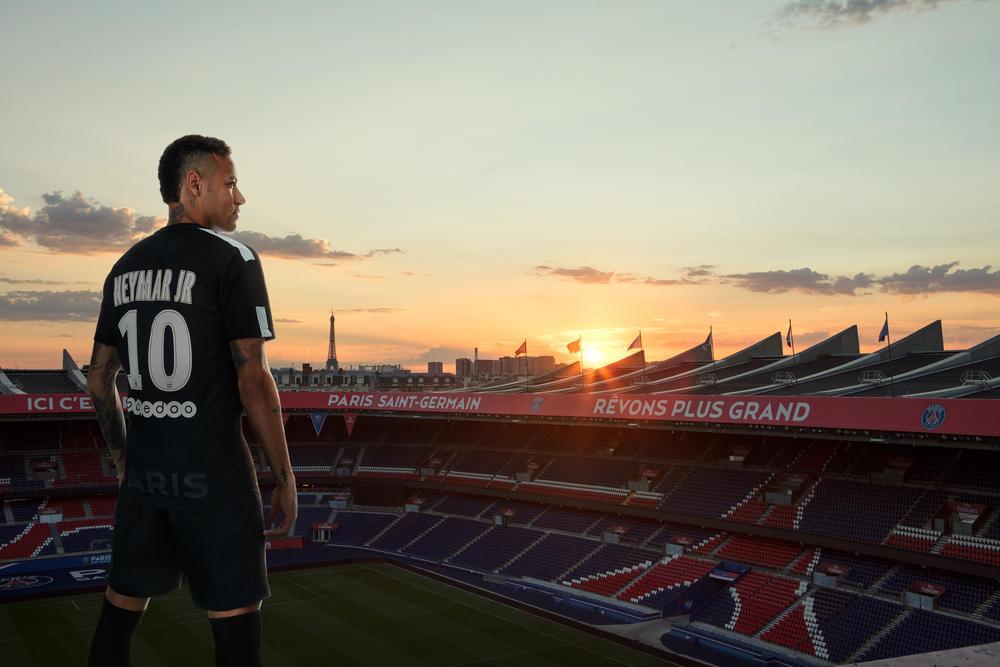 Neymar Jr. Reveals Paris Saint Germain Third KIT 2017-18