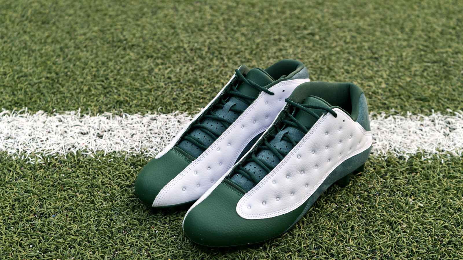 Jordan Brand's Football Roster Debuts New Air Jordan XIII PE Cleats 8