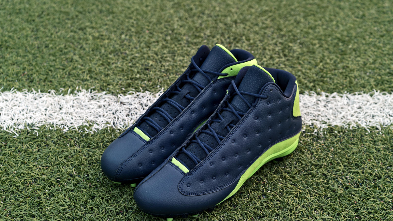 Jordan Brand's Football Roster Debuts New Air Jordan XIII PE Cleats 14