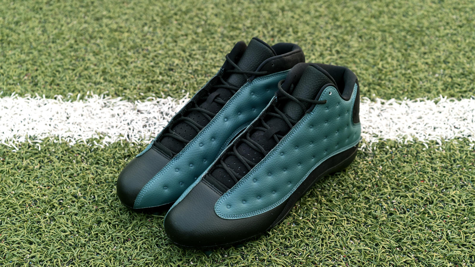 Jordan Brand's Football Roster Debuts New Air Jordan XIII PE Cleats 16