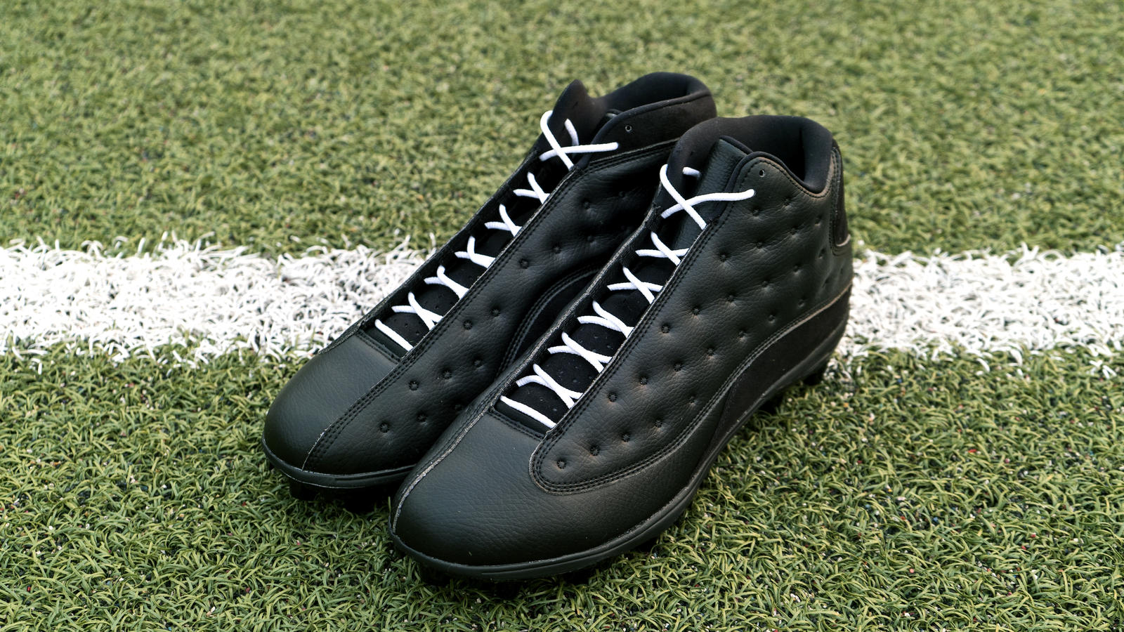 Jordan Brand's Football Roster Debuts New Air Jordan XIII PE Cleats 17
