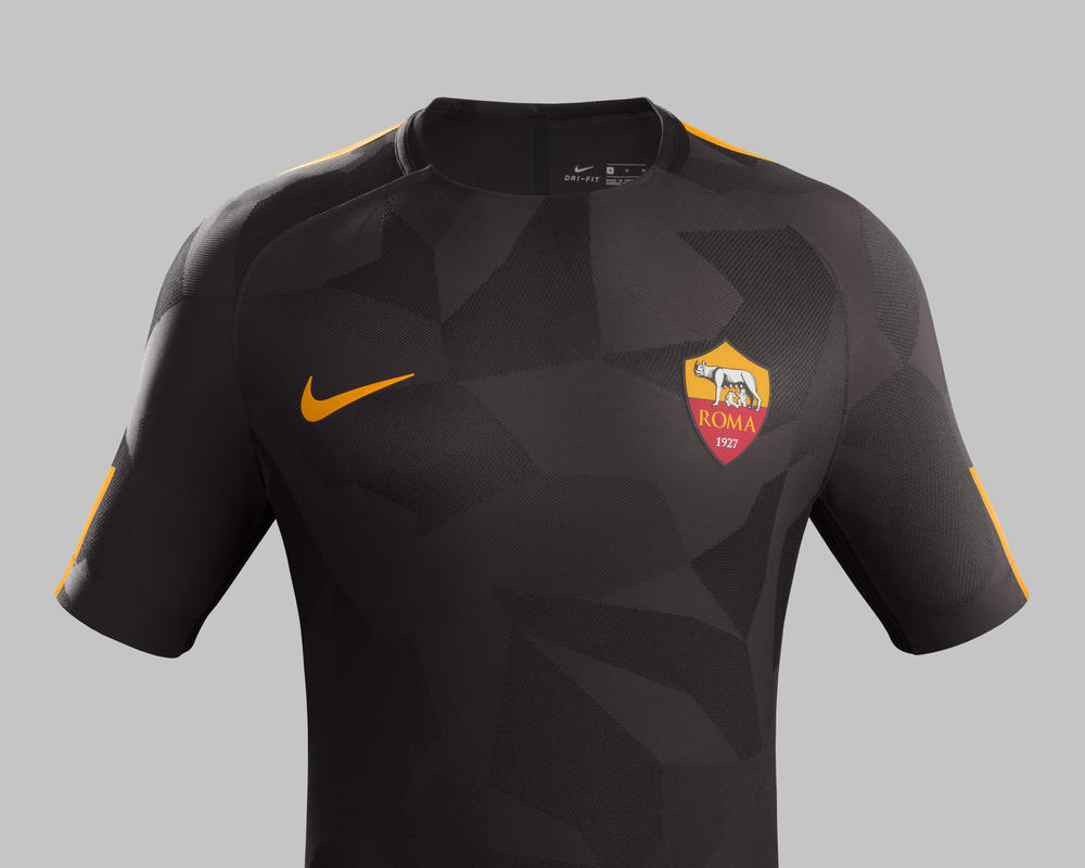 AS Roma Goes Dark Velvet Brown for 2017-18 Third Kit