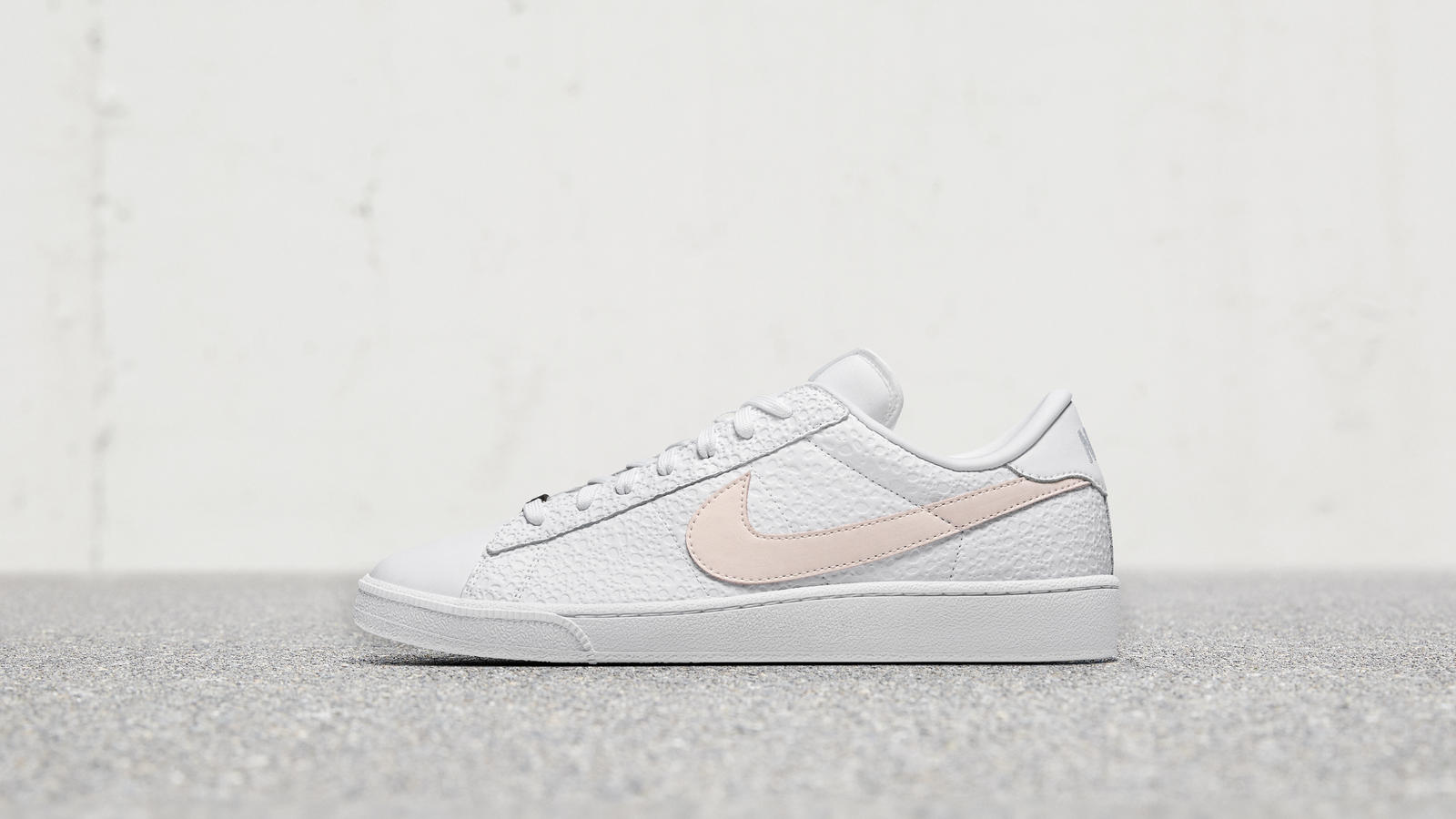 huge discount f0f52 4771c Nike Flyleather Tennis Classic SE 0