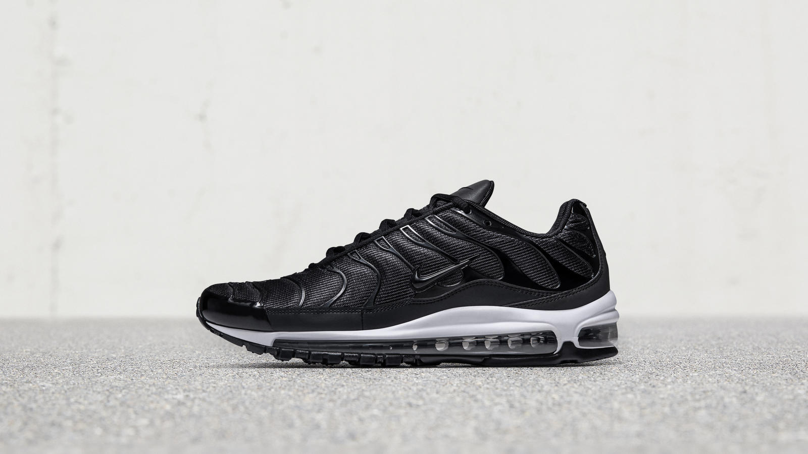 nike air max black leather white sole high vamp
