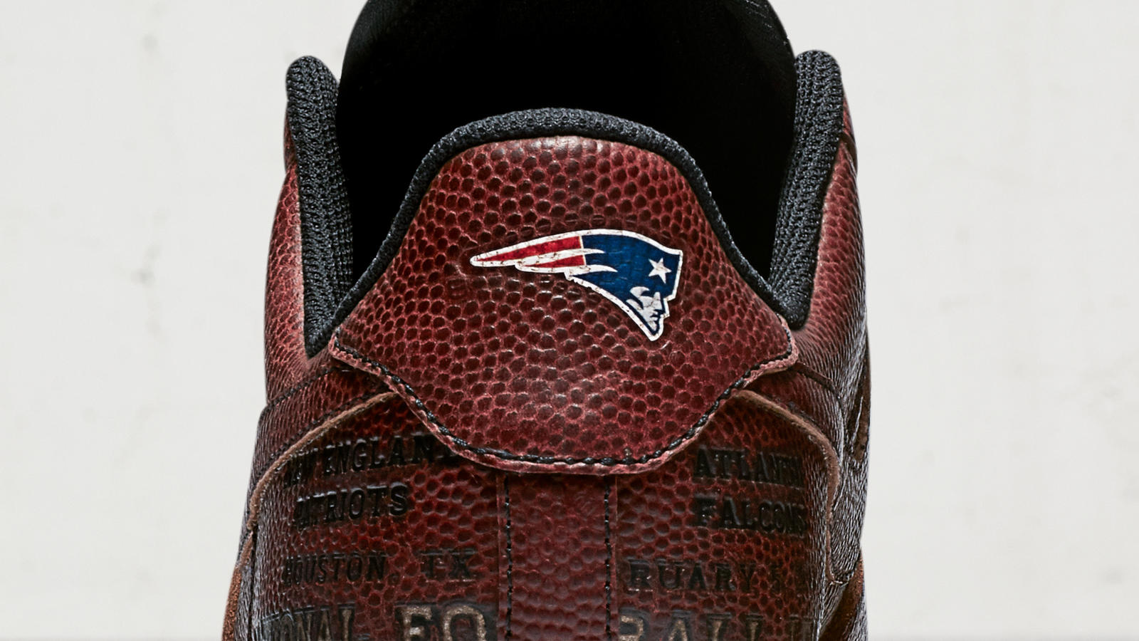 09 29 17 football af1 detail2 hd 1600