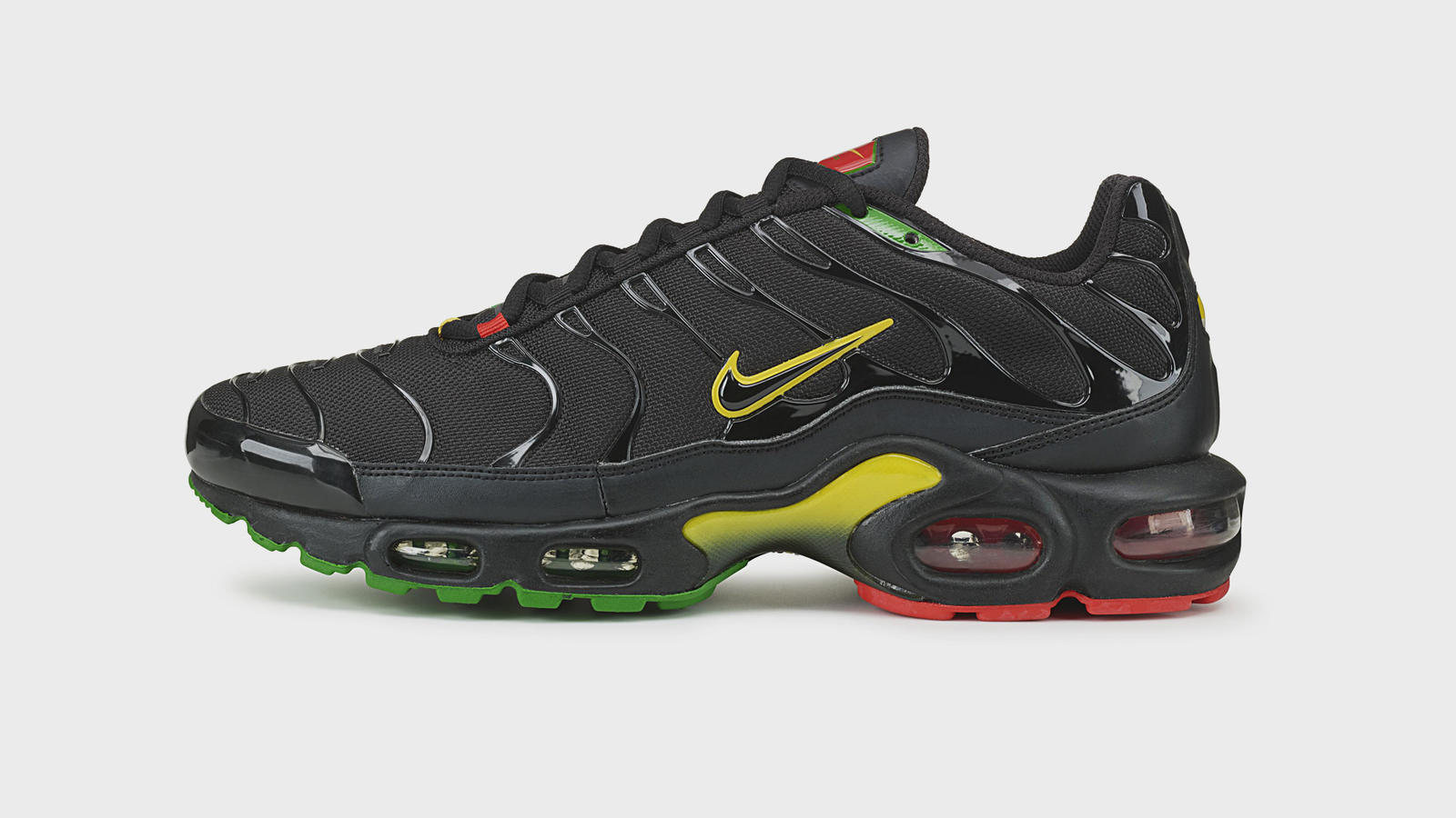 competitive price 14040 d8e5b The Untold Story of the Nike Air Max Plus 24