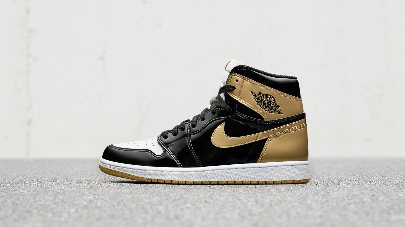 Air Jordan 1 Top 3 Gold 0