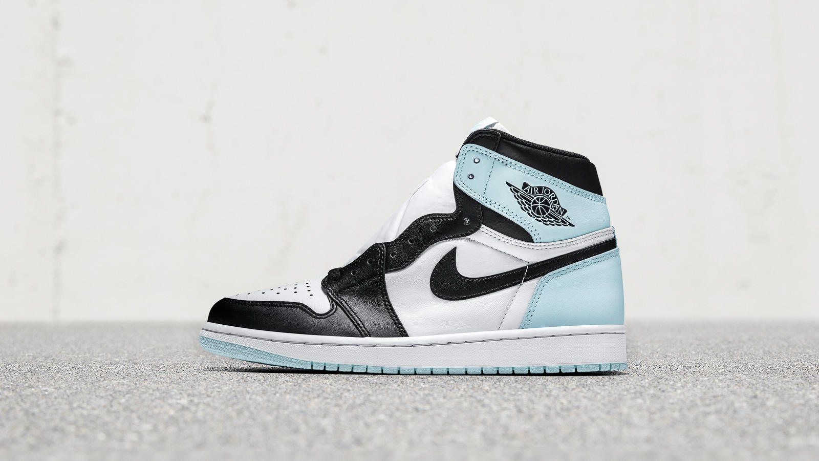 "Air Jordan I ""Mint"" and ""Rose"""