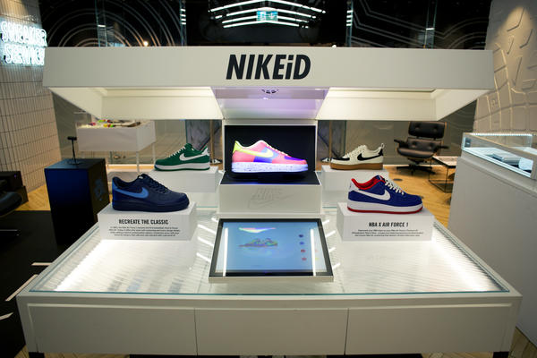 NIKEiD Direct Studio Brings Augmented Video Mapping Customization to London