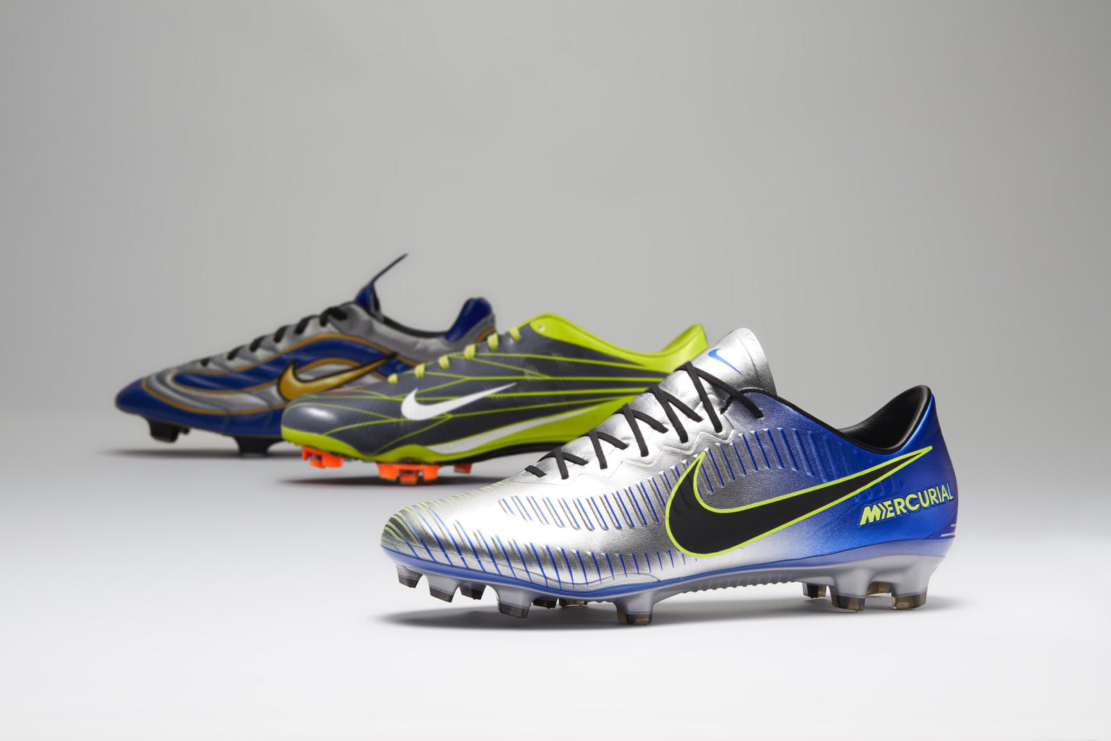 5d0f31208 The Mercurial Puro Fenomeno Pays Homage to Ronaldo and Neymar Jr ...