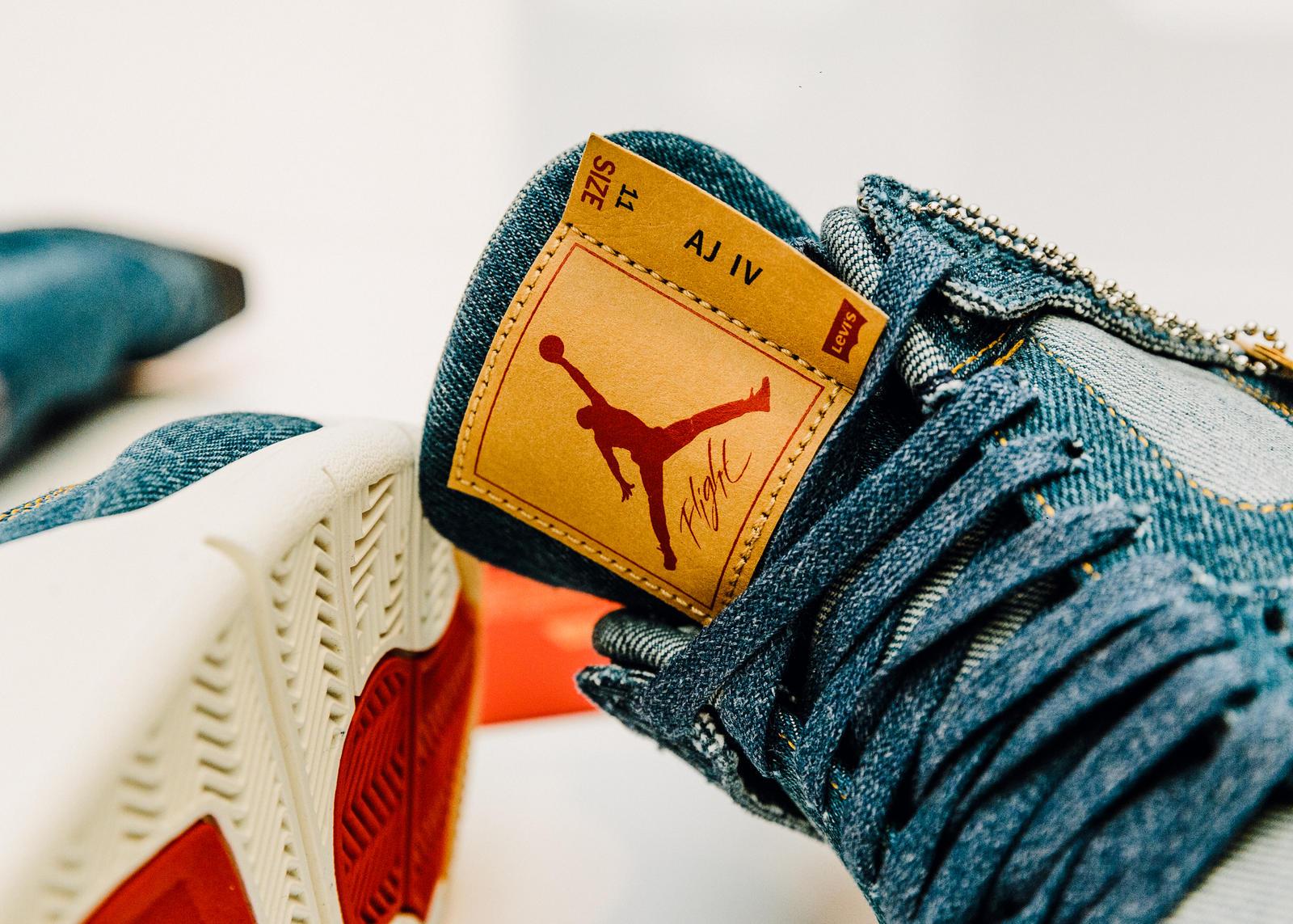 Significativo reparar Socialismo  Jordan Brand x Levi's® Air Jordan IV and Reversible Trucker Jacket - Nike  News