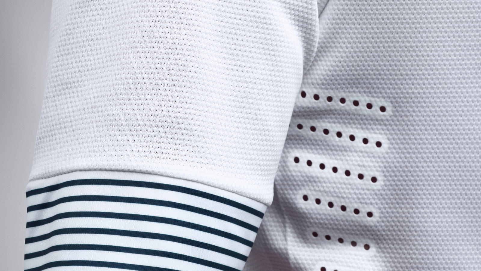 France_Away_Jersey_Sleeve_R
