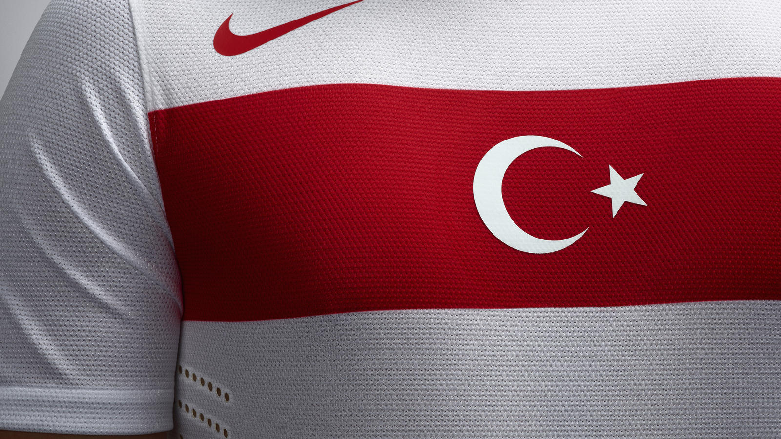 Turkey_Away_Jersey_Chest