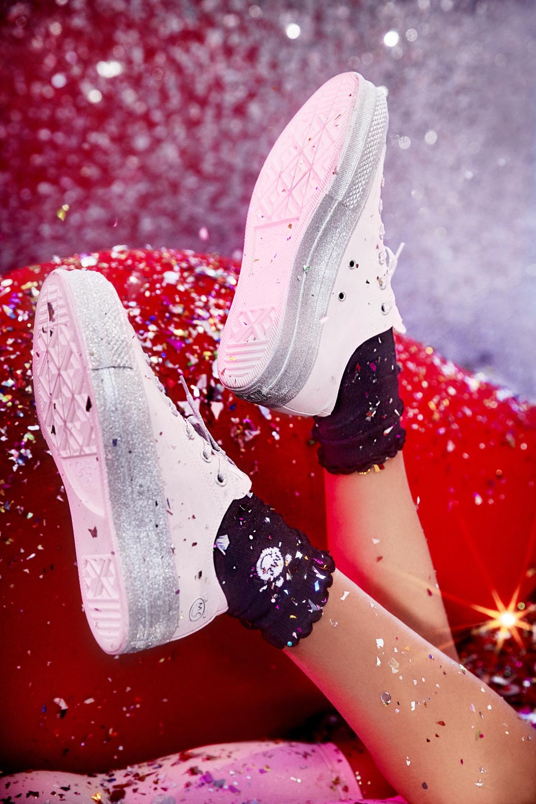 Revealing Miley Cyrus' Collection with Converse 8
