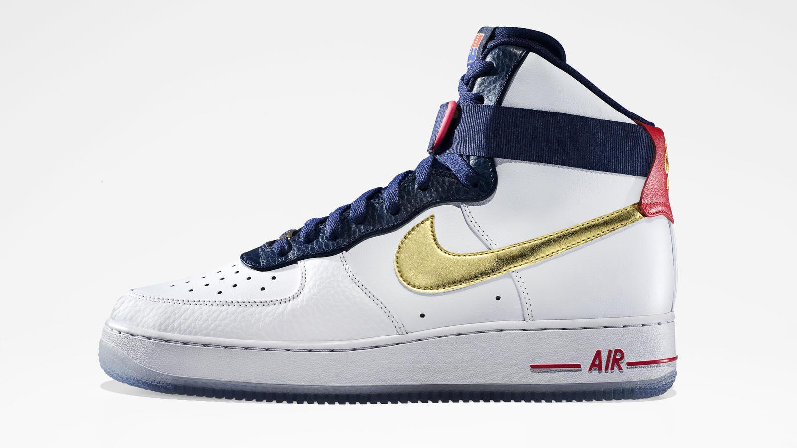 Homage Pays Sportswear Dream Team News Basketball's Nike To dQthsr