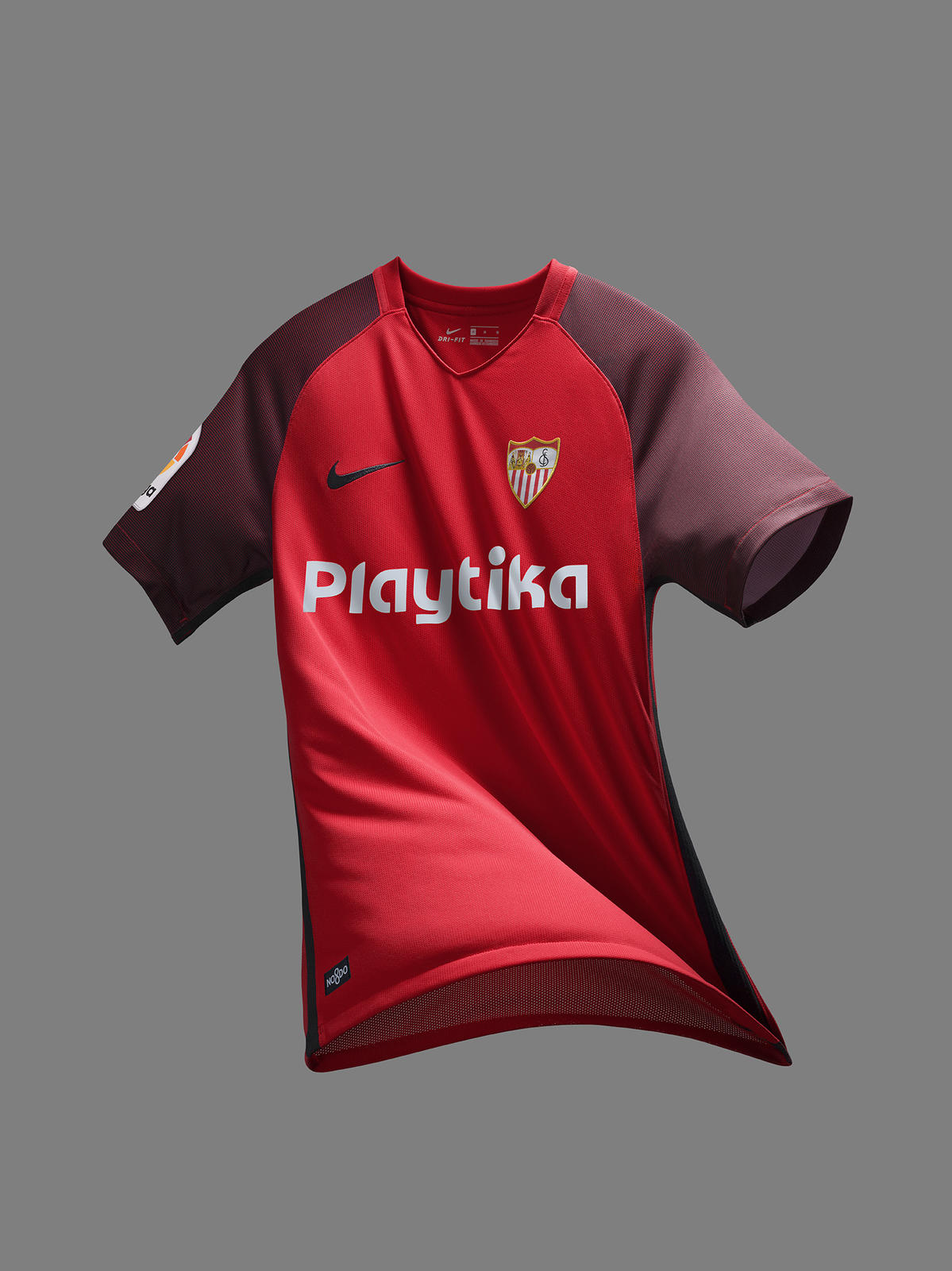 Sevilla FC Keeps Its Classic Andalusian Look for 2018/19 0