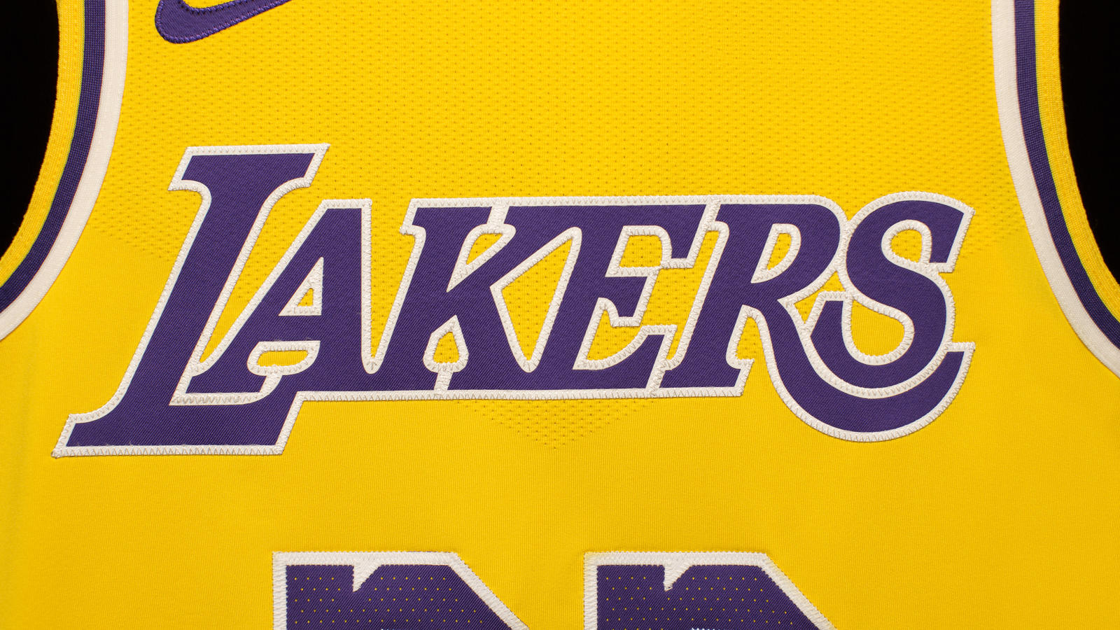 Los Angeles Welcomes Back Showtime with New Lakers Icon Jersey 8