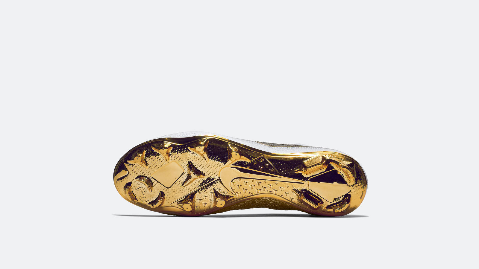 Nikefootball goldphantom 2018 re 2 native 1600