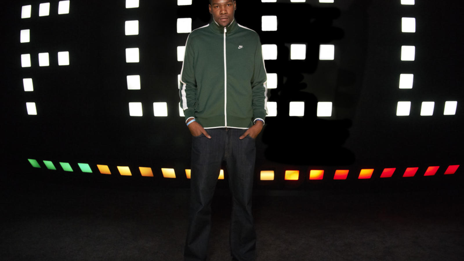 nike_fuelband_launch_KD_01_detail