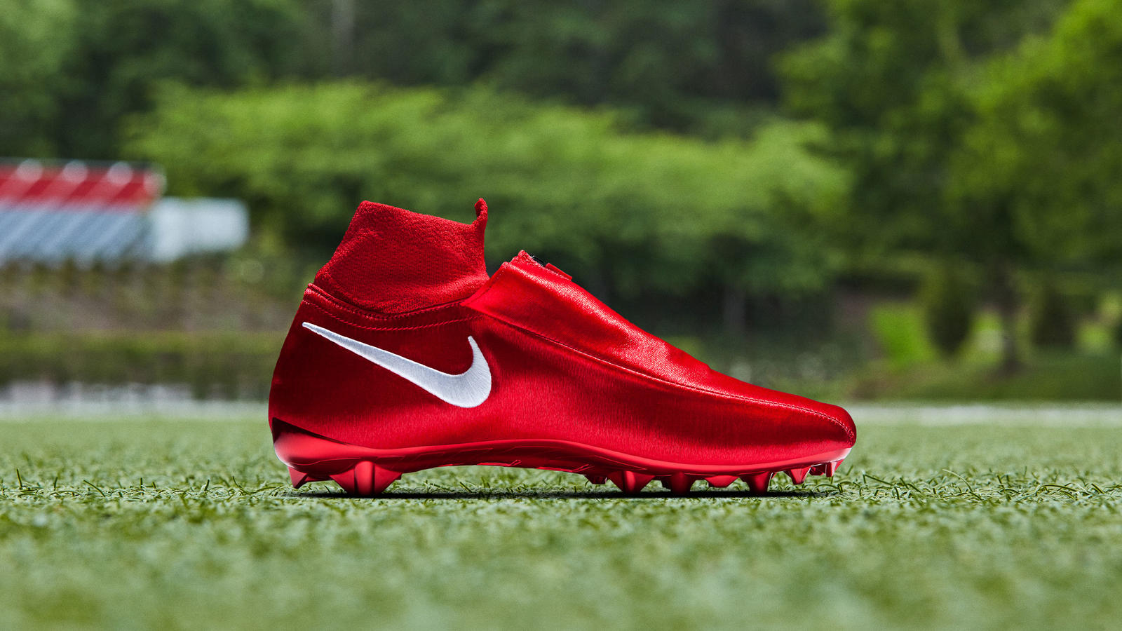Nike Gold Cleat (Odell Beckham Jr. Special Edition) 1