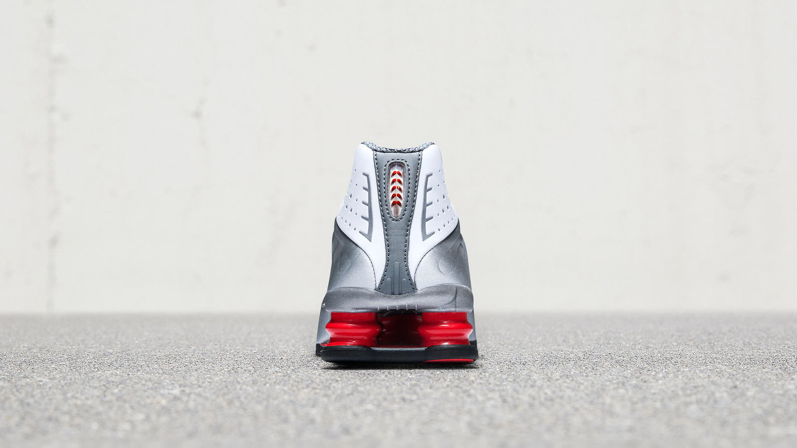 How to Get the Nike Shox R4 2