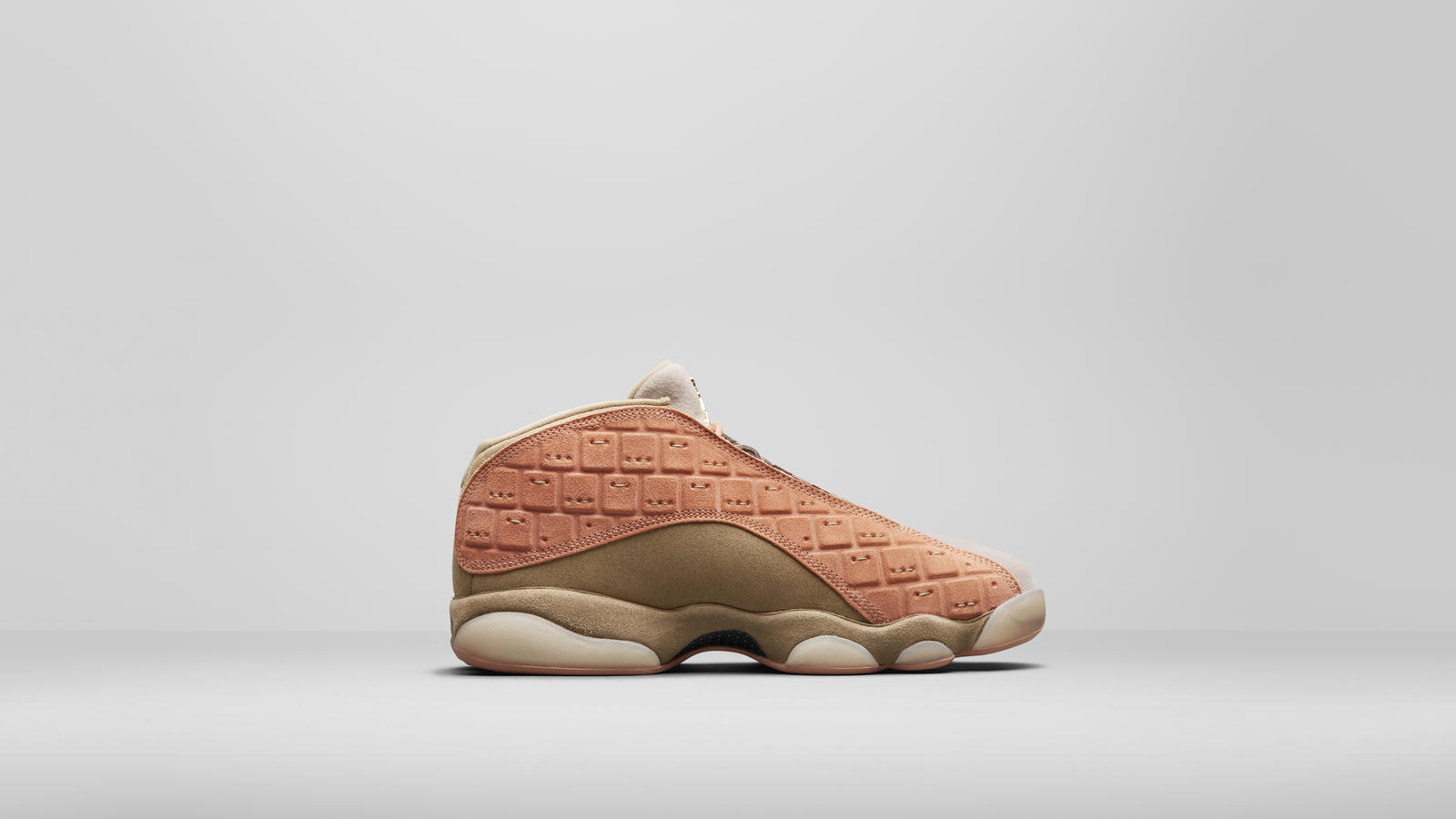 CLOT x Air Jordan XIII Low 3