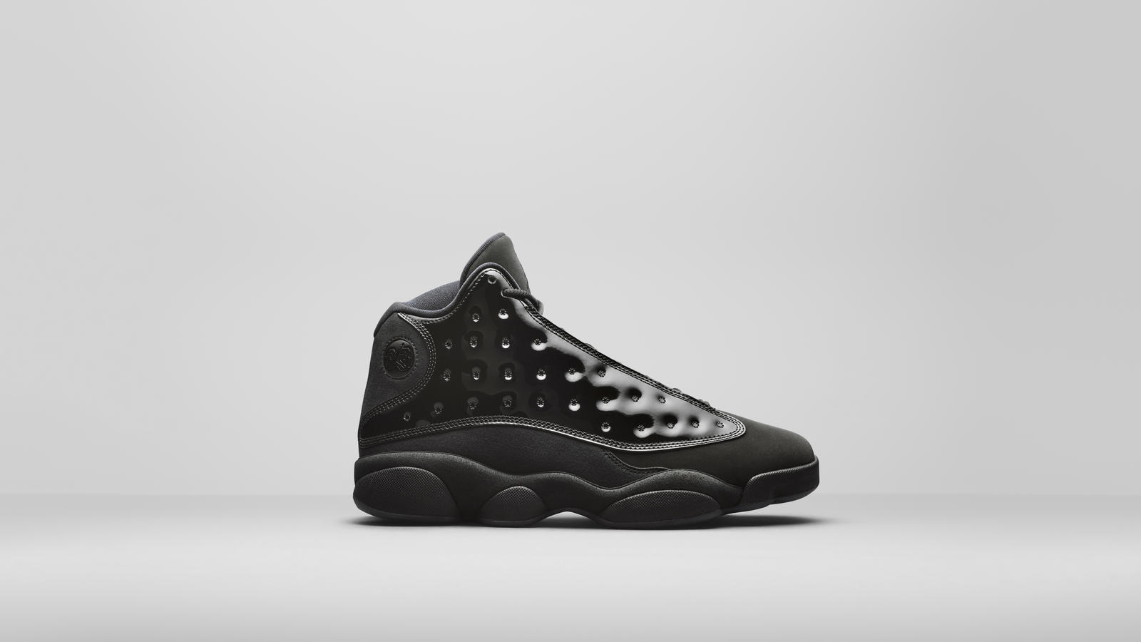 Air Jordan 13 Cap and Gown, Air Jordan 7 Ray Allen, Air Jordan 14, Air Jordan Flyknit Official Release Date and Images 0