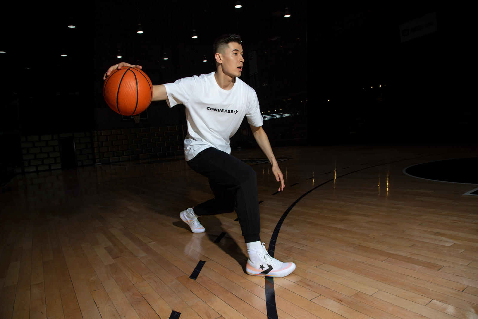 basketball players signed with nike