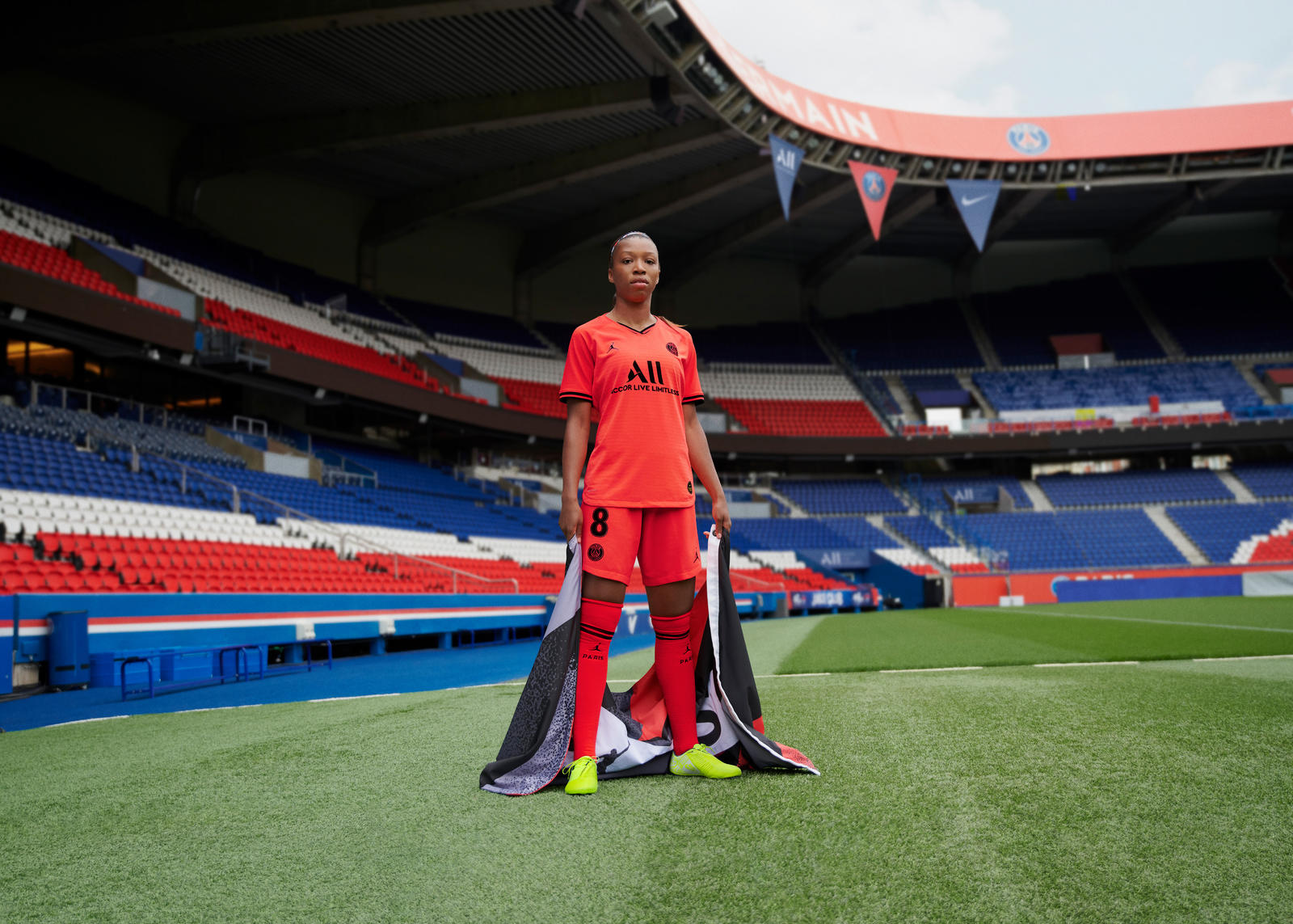 Jordan Brand Paris Saint-Germain Away Kit 2019-20 4