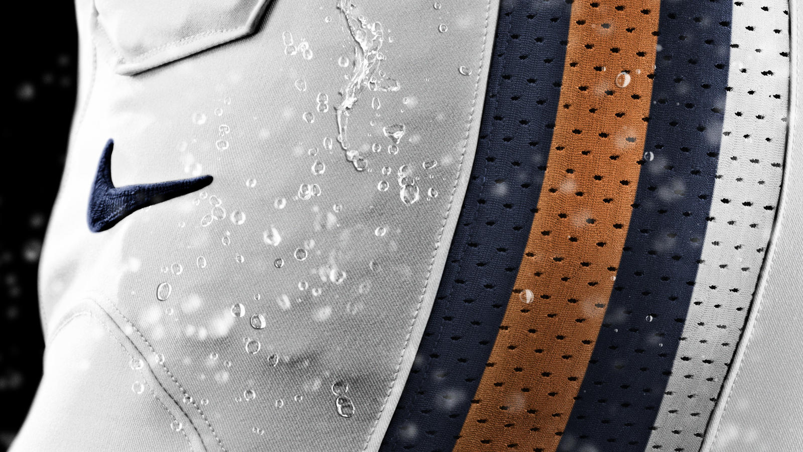 SU12_AT_NFL_UNIFORM_HYDROPHOBIC_MATERIAL_BEARS