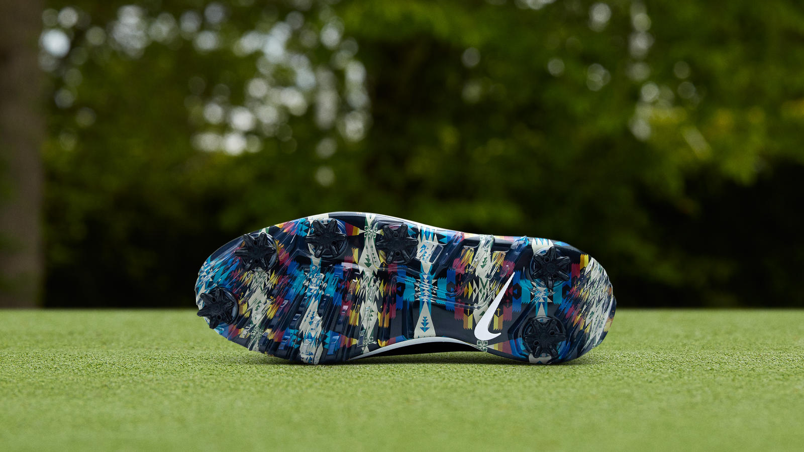 Nike News Featured Footwear Nike Golf Air Zoom Victory Tour Seamus Golf 0196