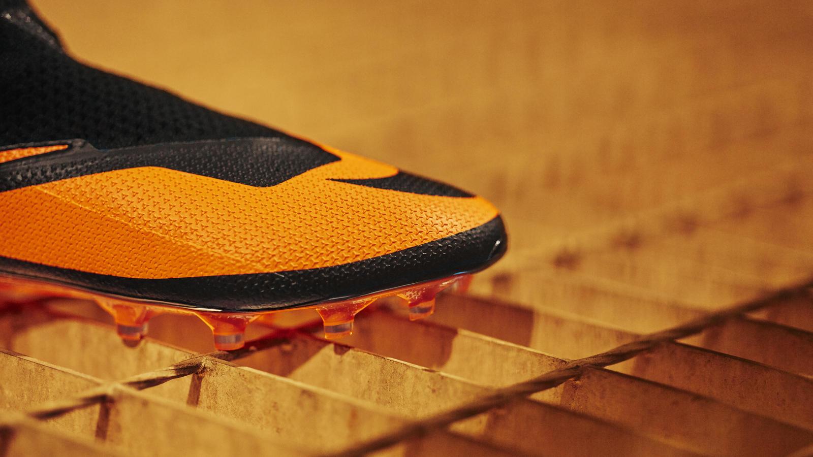 Nike Football Future DNA Pack: Nike Phantom VSN 2 Future DNA Hypervenom 0