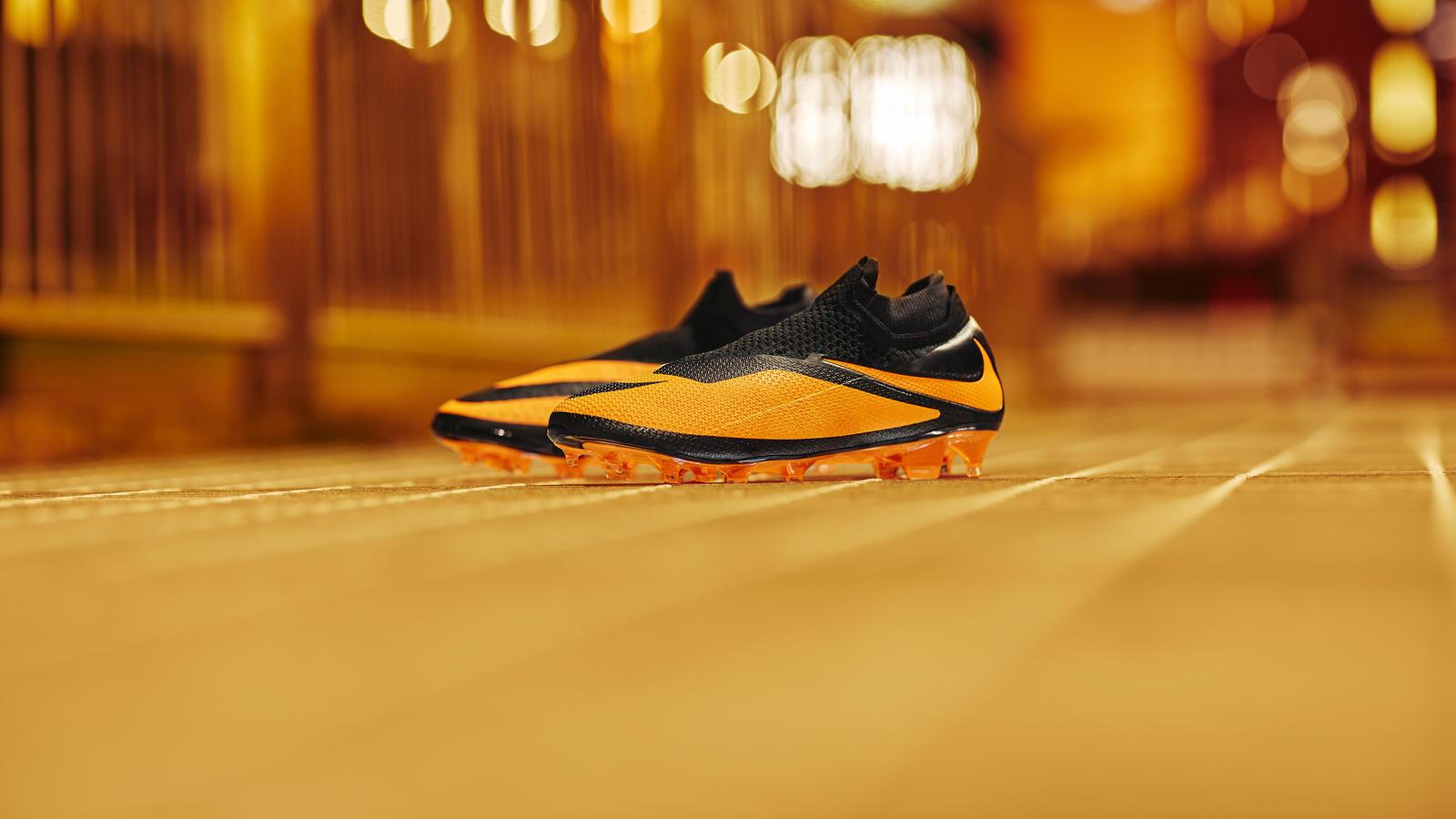 Nike Football Future DNA Pack: Nike Phantom VSN 2 Future DNA Hypervenom 1