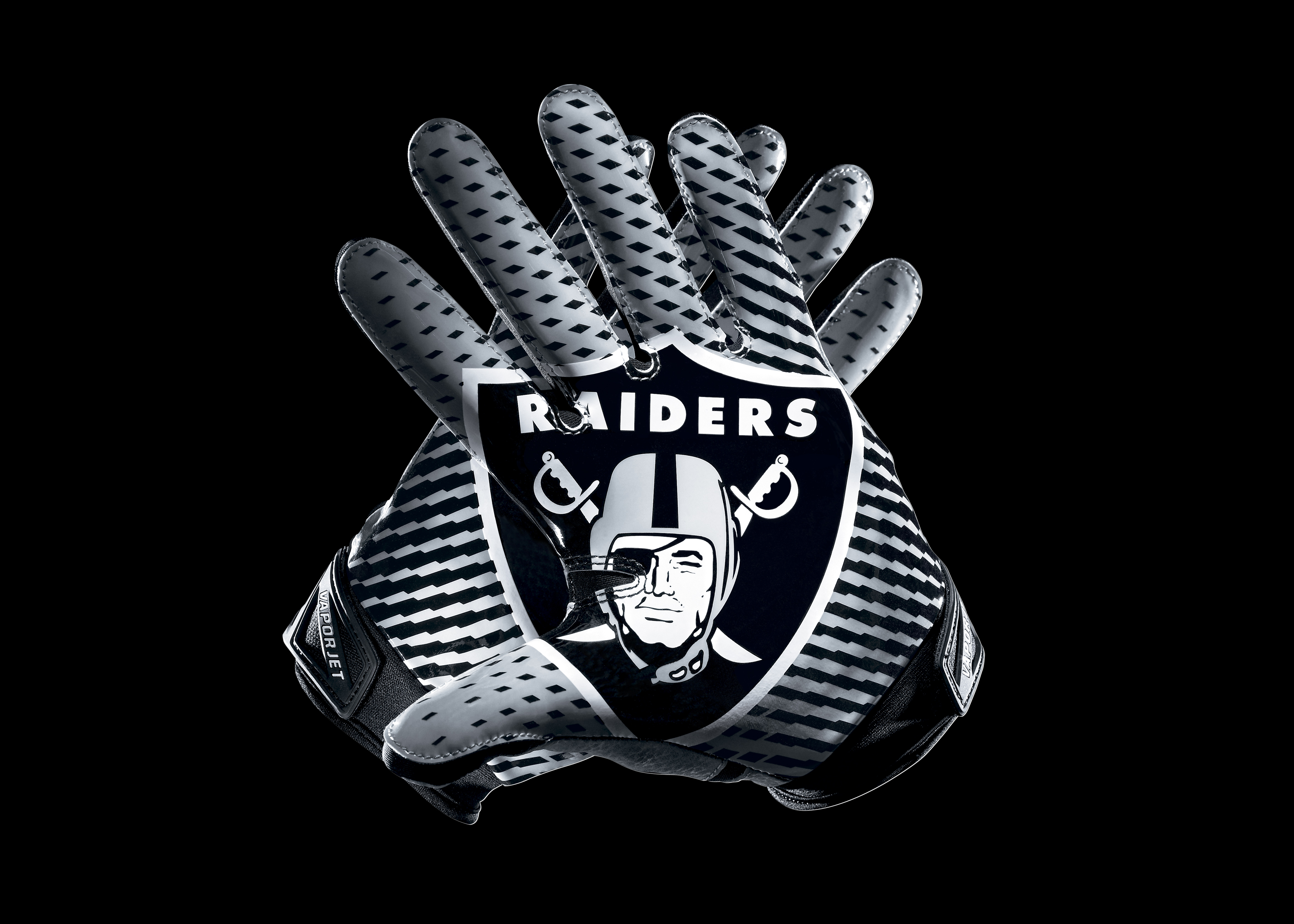 oakland raiders football And per pro football focus, oakland's defense had just five total pressures  against the rams, which was tied for the nfl low on kickoff weekend.