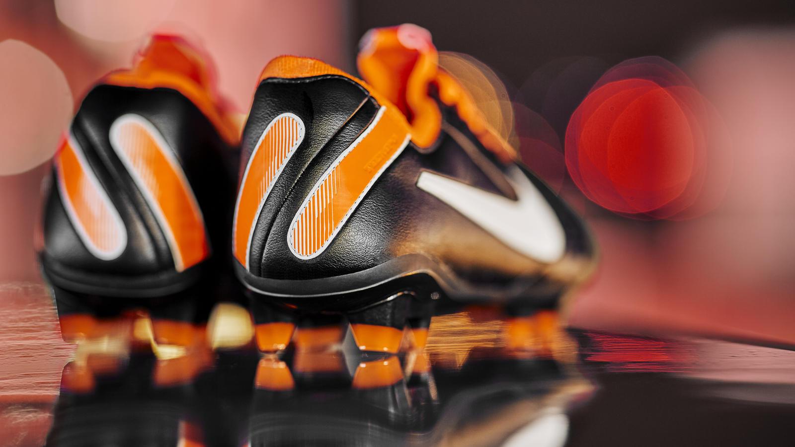 Nike Tiempo 'Future DNA Tiempo Legend' 1
