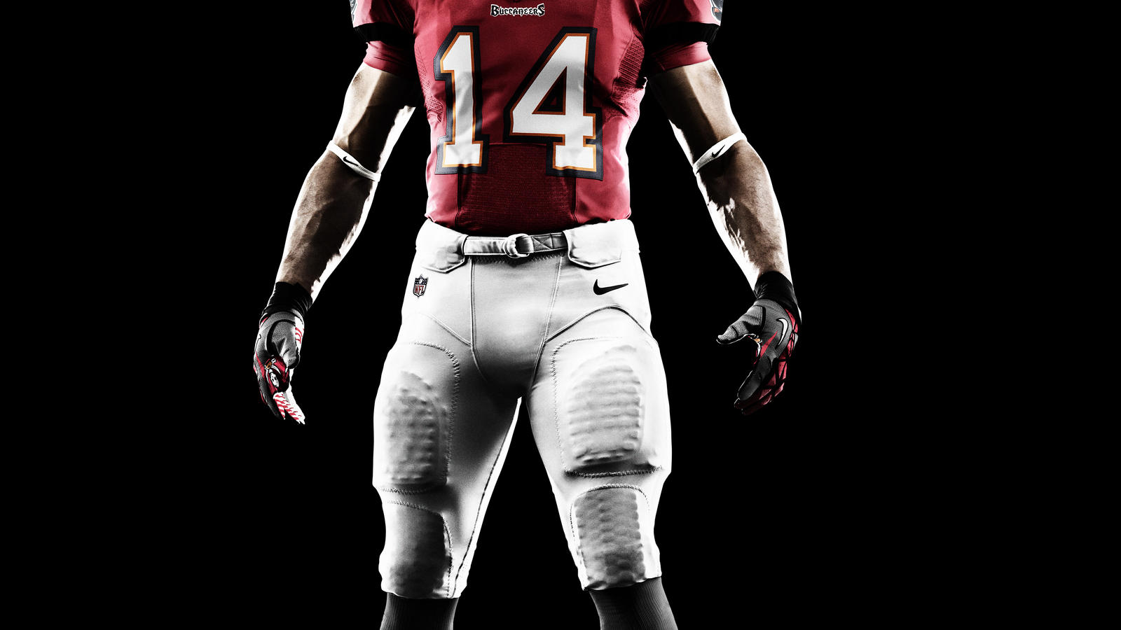 SU12_AT_NFL_UNIFORM_FRONT_BUCCANEERS