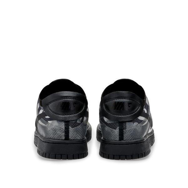 Nike Comme des Garçons Dunk Low 8