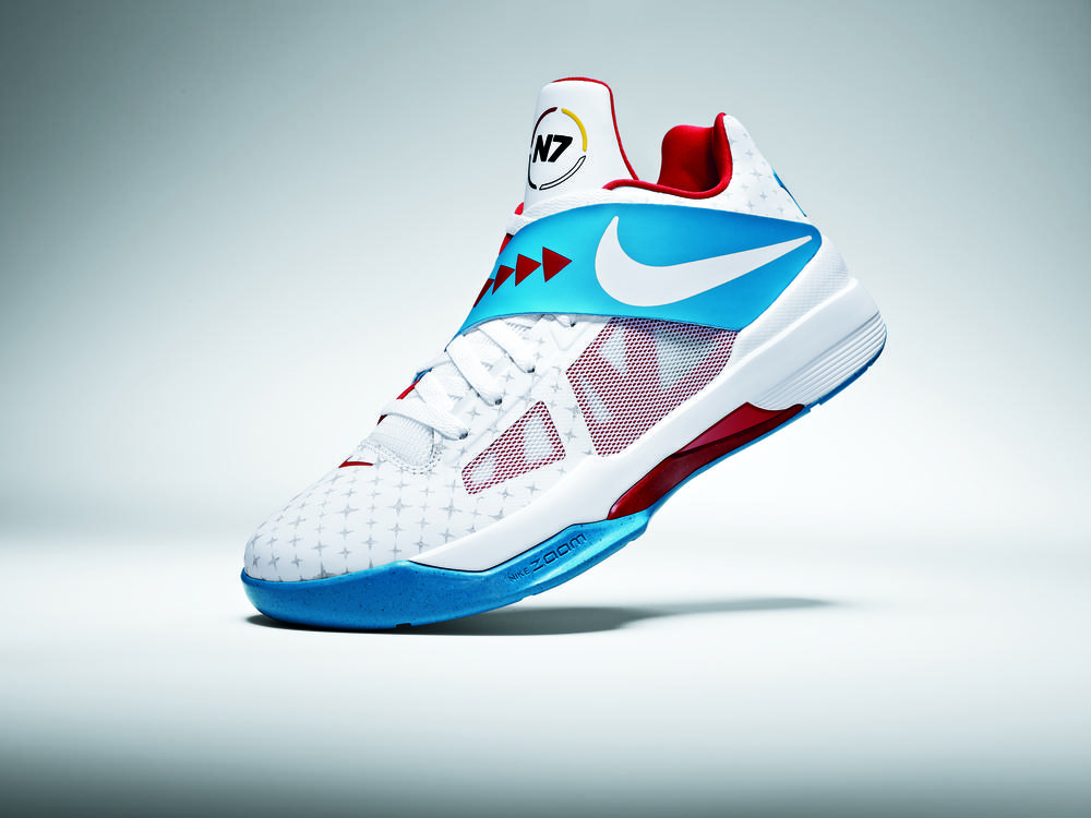 Kevin Durant Unveils the New Nike N7 Zoom KDIV