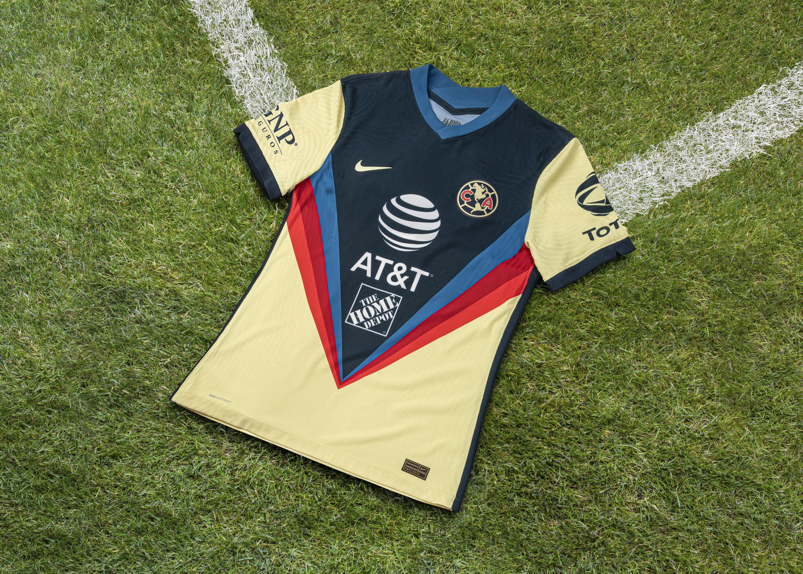 Nike 2020-21 Club America Home Kit 4