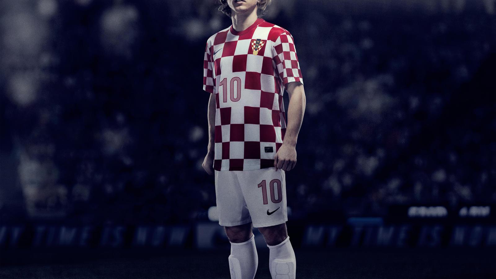 Modric_croatia_Home_NTK__02