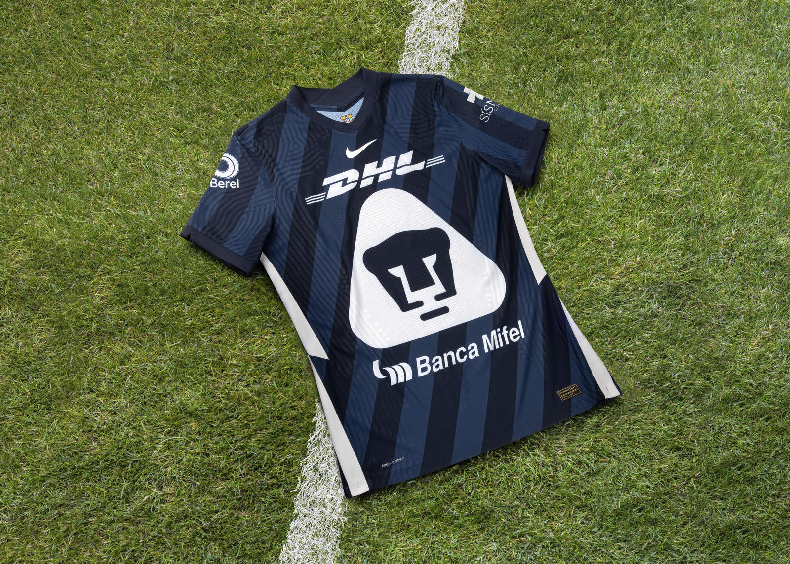 Pumas Home and Away Kits 2020-21  1
