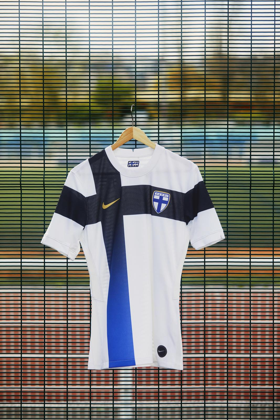 Nike 2020 Finland Home kit