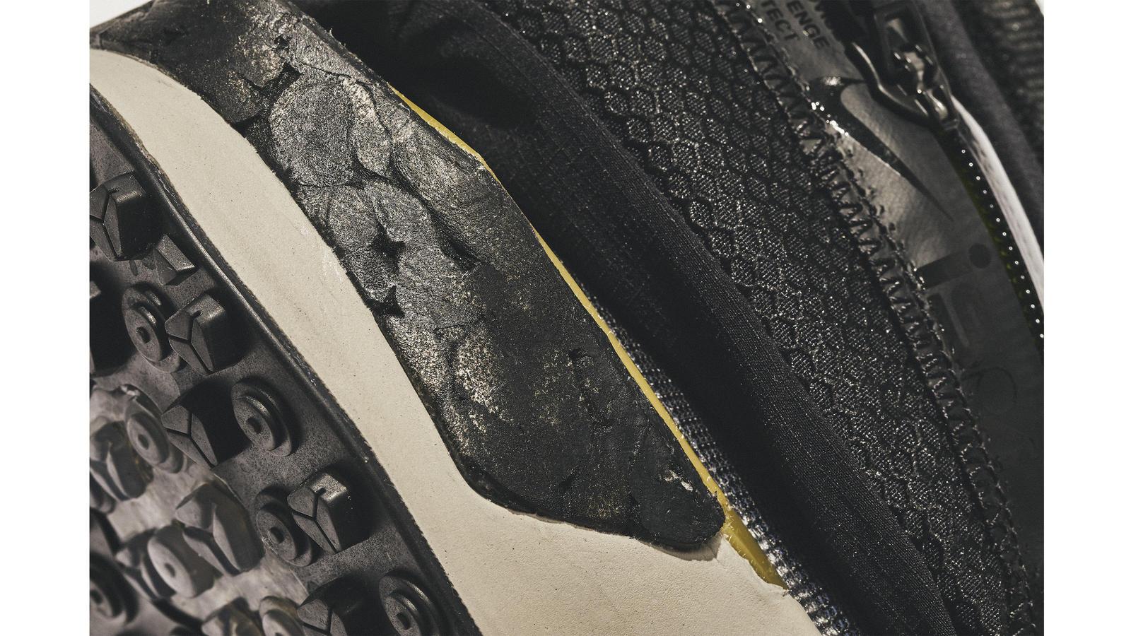 Nike ISPA Drifter Gator 2