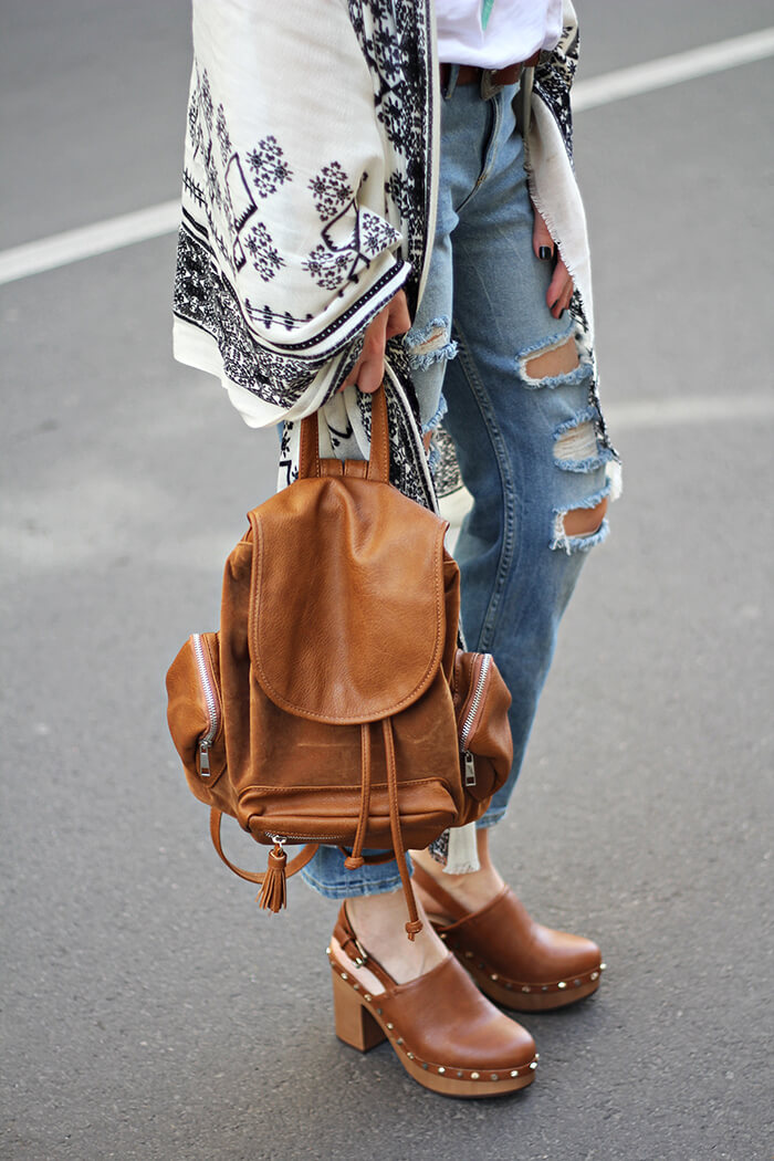 vanja, fashion and style blog, bershka jeans, bershka shoes, stradivarius bag, massimo dutti scarf