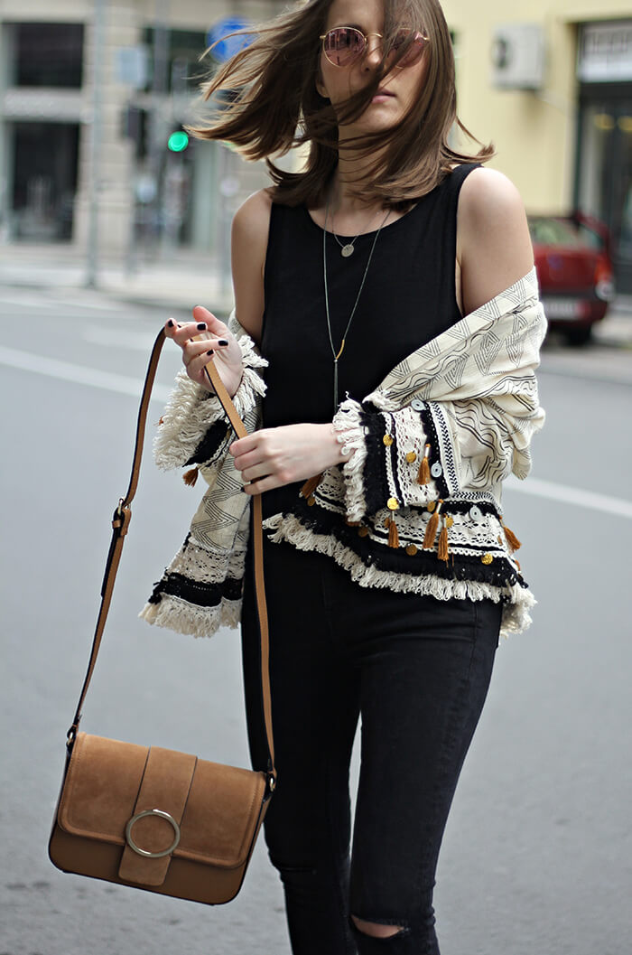 vanja, fashion and style blog, zara bag, zara kimono, mango jeans, manola necklace, tiny mine necklace, ray ban sunglasses