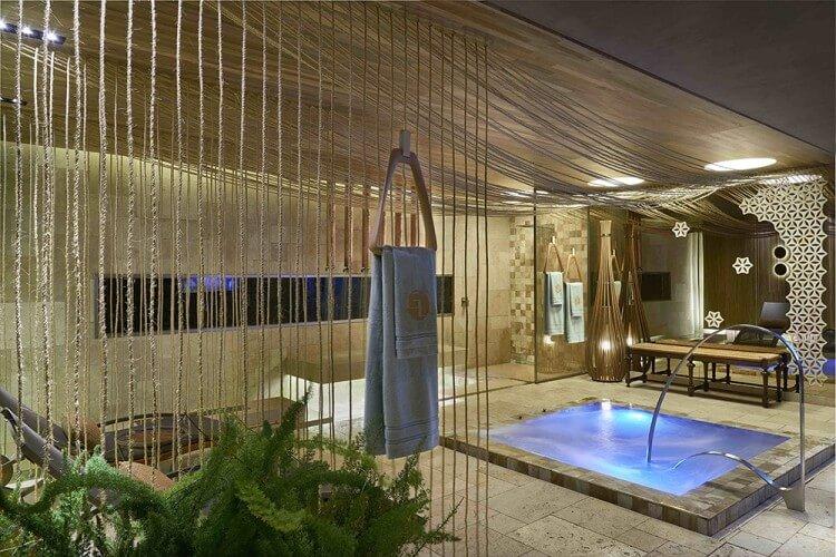 sala-de-banho-deca-gislene-lopes-casa-cor-minas-2016-credito-jomar-braganca