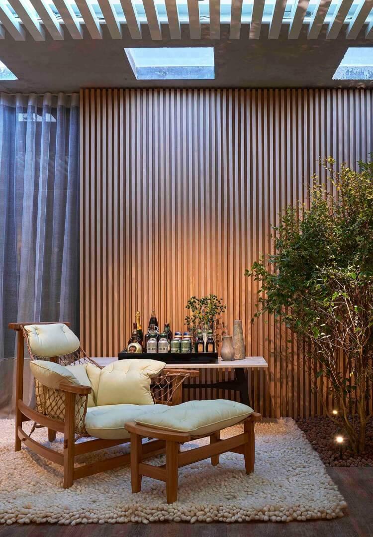 sala-de-estar-jantar-e-piscina-03-csl-arquitetura-casa-cor-minas-2016-cre_dito-jomar-braganc_a