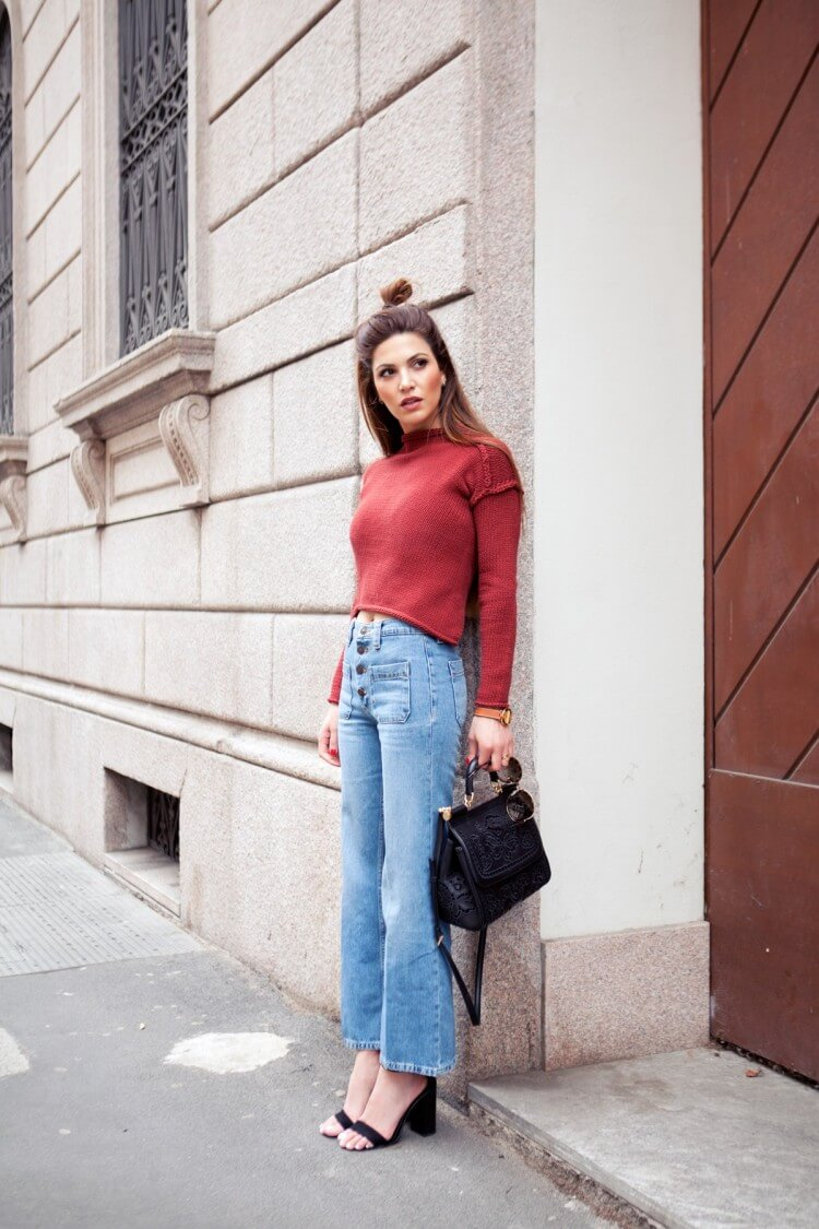 1-turtle-neck-high-waist-jeans