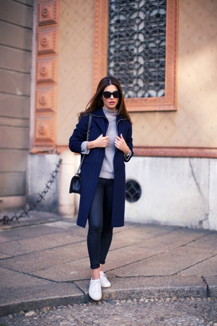 4-sneakers-blue-coat